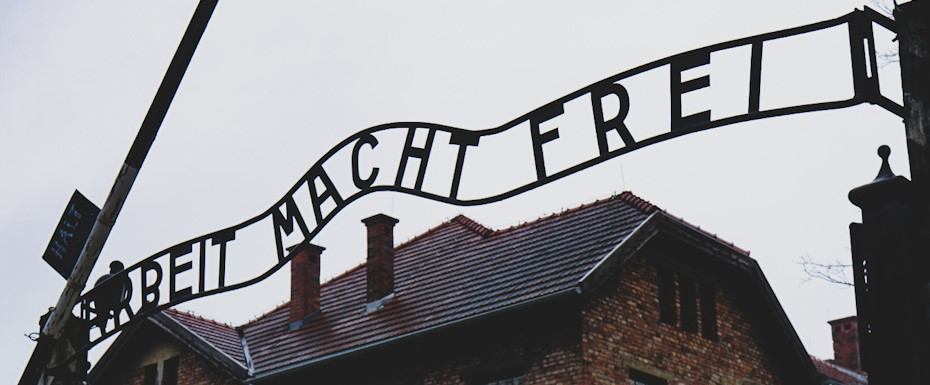 Auschwitz tour - gate